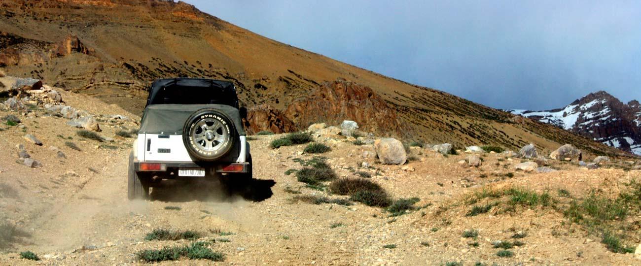 Leh ladakh tour packages by jeep